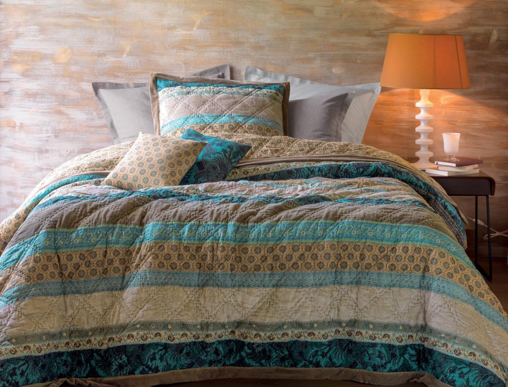 boutis nuit saint p tersbourg linvosges. Black Bedroom Furniture Sets. Home Design Ideas