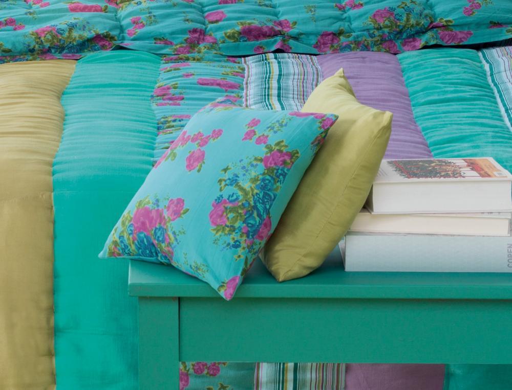kissen berraschungseffekt. Black Bedroom Furniture Sets. Home Design Ideas