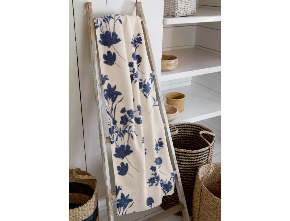 linge de toilette imprim fleur indigo linvosges. Black Bedroom Furniture Sets. Home Design Ideas