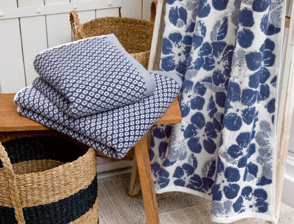 linge de toilette jacquard et cisel fleur indigo linvosges. Black Bedroom Furniture Sets. Home Design Ideas