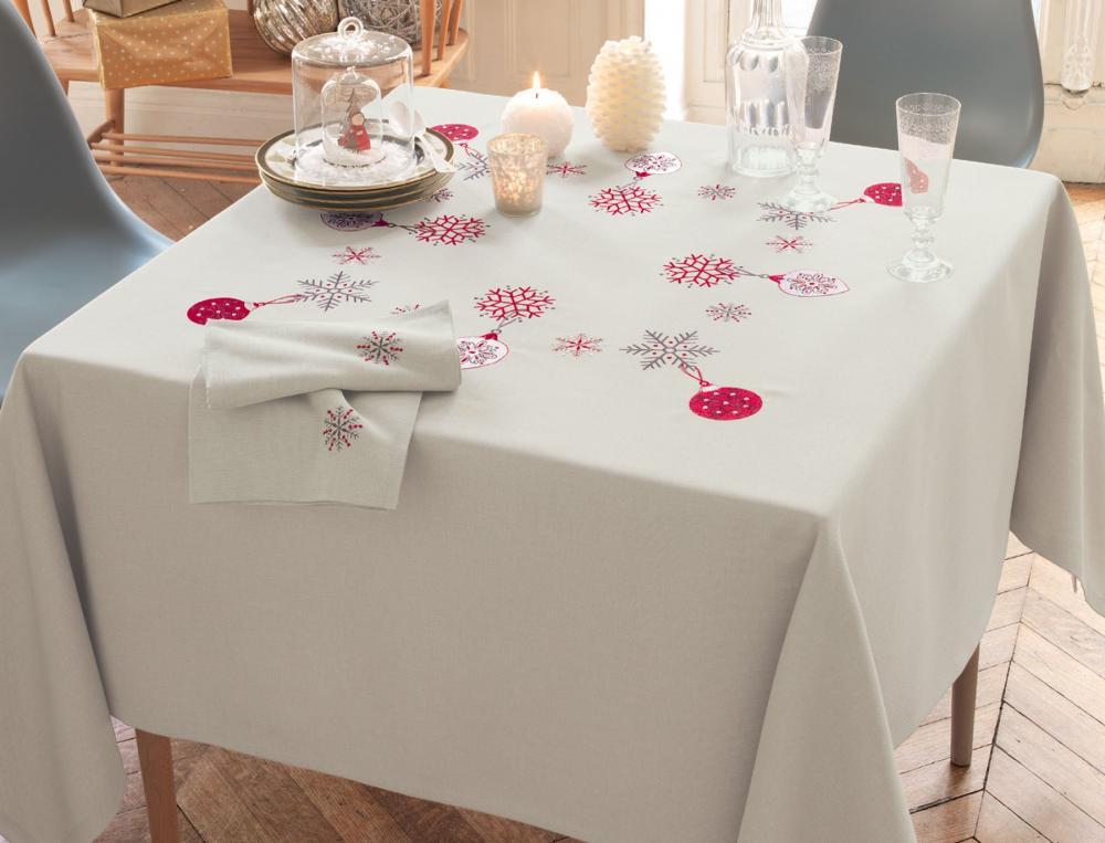 Nappe village de no l linvosges for Une nappe de table