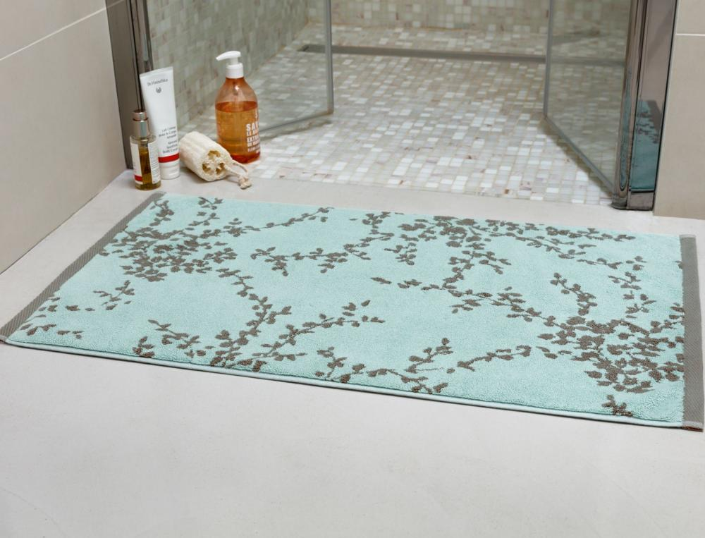 tapis de bain dans les nuages linvosges. Black Bedroom Furniture Sets. Home Design Ideas