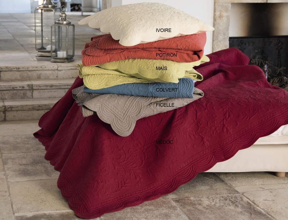 l 39 effet des v tements linvosges boutis villa toscane. Black Bedroom Furniture Sets. Home Design Ideas